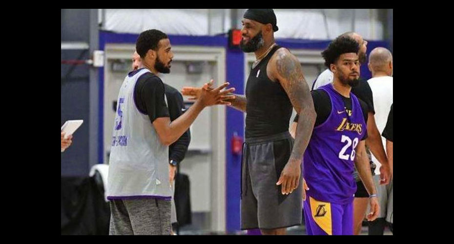 【NBA】湖人完美整合!老詹盛赞2帮手还放豪言,这个赛季真是太舒服